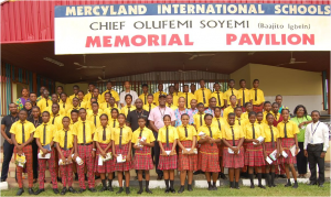 Students of Mercyland International School in Ogun State and Staff of Diamond Bank at the just concluded World Savings Day which held on the 31st of October 2016